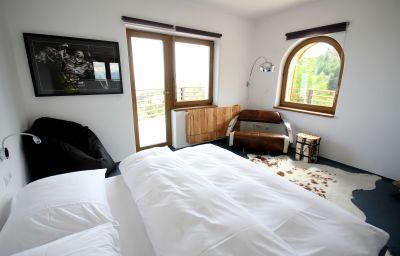 hotel12-Treffen_am_Ossiacher_See-Junior_suite-454984.jpg