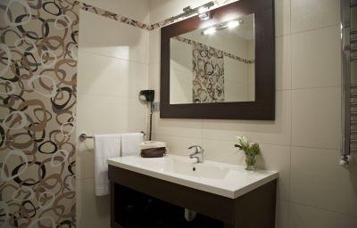 Green_Garden_Resort-Mestre-Bathroom-3-456056.jpg