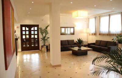 Green_Garden_Resort-Mestre-Reception-4-456056.jpg