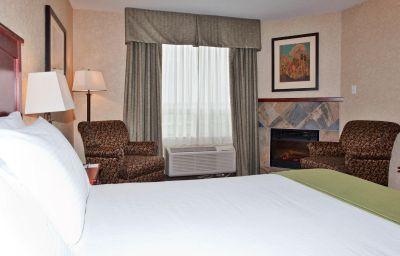 Holiday_Inn_Express_Suites_EDMONTON_NORTH-Edmonton-Suite-6-456593.jpg