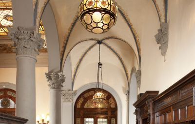 NH_Collection_Firenze_Porta_Rossa-Florence-Hall-3-456597.jpg