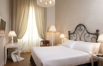NH_PORTA_ROSSA-Florence-Double_room_superior-1-456597.jpg