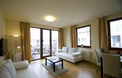 Trendy_Apartments-Budapest-Room_with_balcony-1-456891.jpg