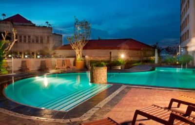 Bidakara_Hotel-Jakarta-Pool-2-458412.jpg