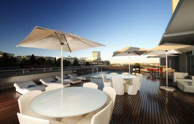RADISSON_BLU_GAUTRAIN_SANDTON-Johannesburg-Pool-3-458700.jpg