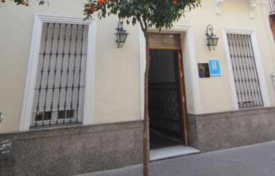 Фасад Roma Hostal Seville (Andalusien)