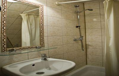 Szarotka_Pensjonat-Zakopane-Bathroom-460788.jpg