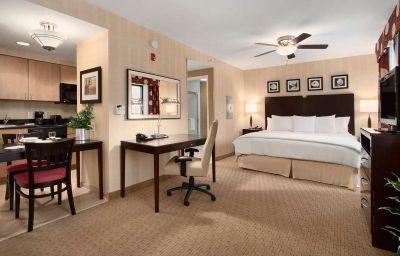 Suite Homewood Suites Newtown PA