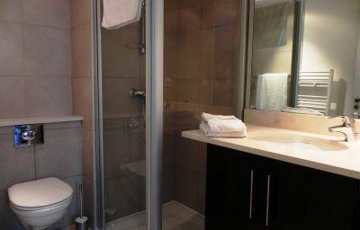 Calypso_Residence_Services-Marseille-Bathroom-2-462133.jpg
