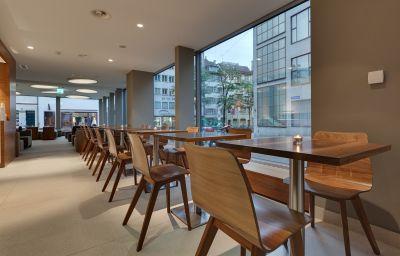Sala de desayuno Hotel D