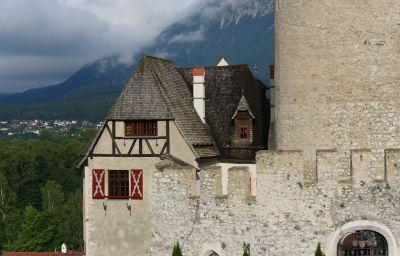 Schloss_Matzen-Reith_im_Alpbachtal-Exterior_view-8-463343.jpg