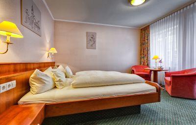 Beek-Baden-Baden-Room-7-463900.jpg