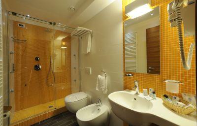 Le_Roi-Varazze-Bathroom-2-464100.jpg