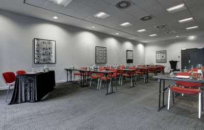 Adina_Apartment_Hotel-Hamburg-Conference_room-8-464444.jpg