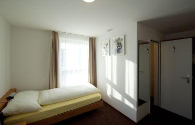 Freihof-Unteraegeri-Single_room_standard-464569.jpg