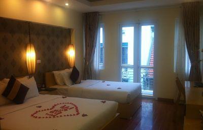 Hanoi_Impressive_Hotel-Hanoi-Family_room-464750.jpg