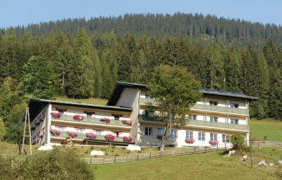 JUFA_St_Martin-Sankt_Martin_am_Tennengebirge-Exterior_view-2-465022.jpg