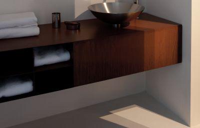 Palazzo_Segreti-Milan-Bathroom-1-468132.jpg