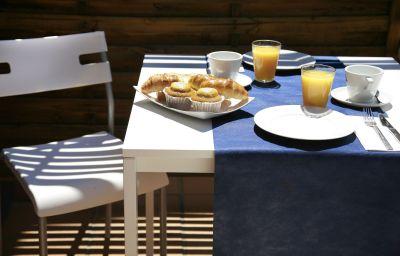 Petit-déjeuner buffet Sant Pere II.