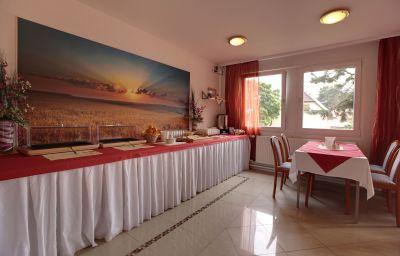 Salle du petit-déjeuner B1 Tourist