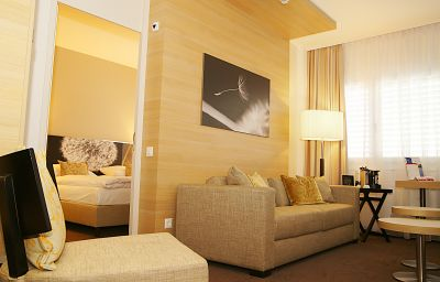 Junior Suite Ramada City Centre Zurich (Zurich)
