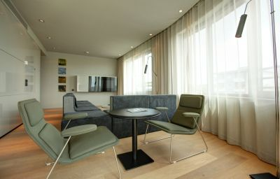 Sana-Berlin-Suite-7-513747.jpg