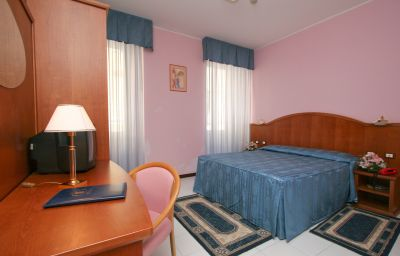 Italia-Triest-Single_room_superior-521135.jpg