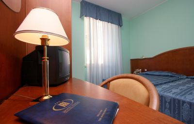 Italia-Triest-Double_room_standard-1-521135.jpg