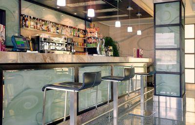 Crowne_Plaza_MADRID_AIRPORT-Madrid-Hotel_bar-13-521738.jpg