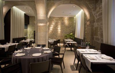 Carris_Porto_Ribeira-Porto-Restaurant-3-523540.jpg