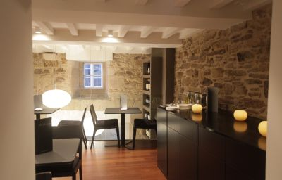 Carris_Casa_de_la_Troya-Santiago_de_Compostela-Restaurant-1-524426.jpg