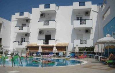 Irilena_Apartments-Stalis-Aussenansicht-4-525577.jpg
