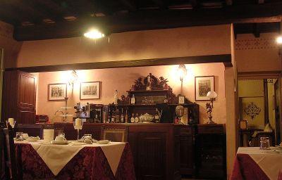 Antica_Torre_Viscontea-San_Genesio_ed_Uniti-Hotel_indoor_area-3-526021.jpg