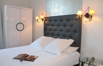 Royal_Hotel-Nimes-Single_room_standard-531388.jpg