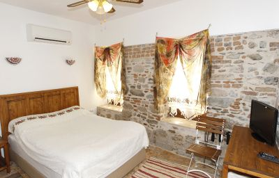 Nazhan_Boutique_Hotel-Selcuk-Standard_room-1-534187.jpg