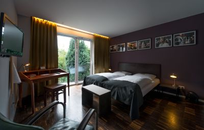 Das_kleine_Schwarze_Garni-Hamburg-Double_room_superior-7-534946.jpg