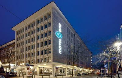Motel_One-Essen-Exterior_view-2-535215.jpg