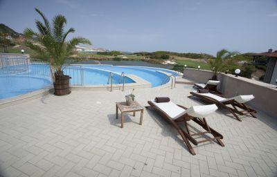 Piscina Thracian Cliffs Golf&Beach Resort