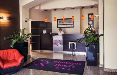 Empfang Boutique Hotel's I Business