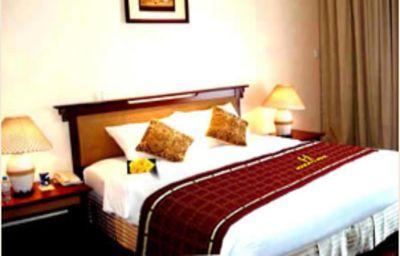 Hanoi_Holiday_Gold-Hanoi-Standard_room-535988.jpg