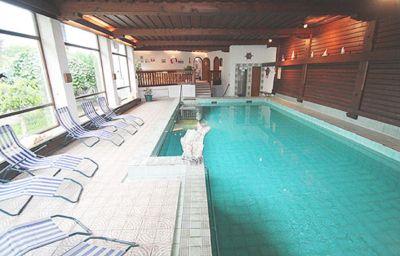 Swimming pool Zellerwirt