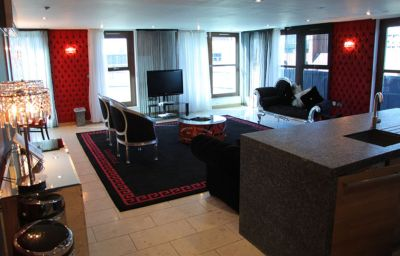 Posh_Pads_Casartelli-Liverpool-Apartment-23-536938.jpg