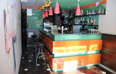 Bar del hotel Green Budapest