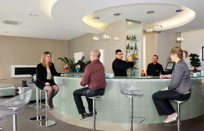 Bar de l'hôtel Novotel Avignon Centre