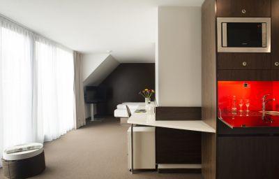 Derag_Livinghotel_Campo_dei_Fiori-Munich-Apartment-14-537735.jpg
