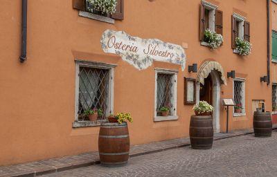 Silvestro-Garda-Restaurant-539456.jpg
