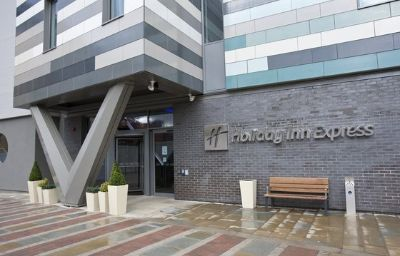 Фасад Holiday Inn Express MANCHESTER CITY CENTRE - ARENA Manchester (Lancashire)
