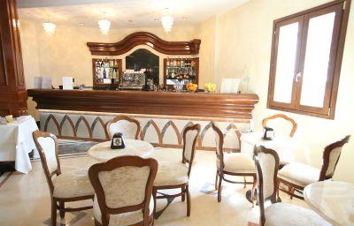 Bar de l'hôtel Borgo Don Chisciotte
