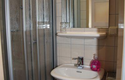 Gasthof_-_Pension_Krone-Oppenau-Bathroom-4-542490.jpg