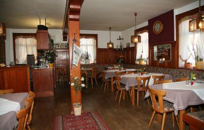 Gasthof_-_Pension_Krone-Oppenau-Restaurant-542490.jpg